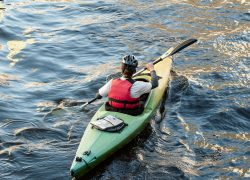 Handling Waves in Your Kayak
